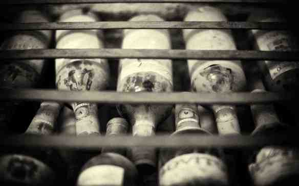 antiche bottiglie di vino